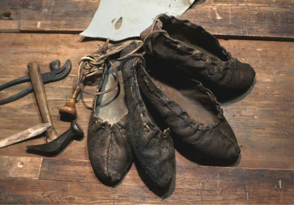 обувь и инструмент