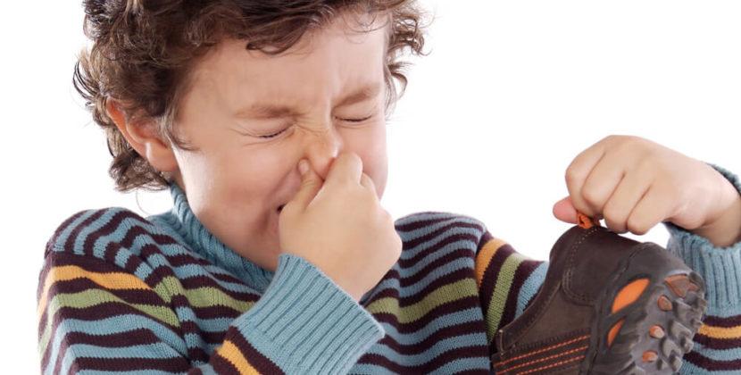 Причины и способы устранения неприятного запаха ног