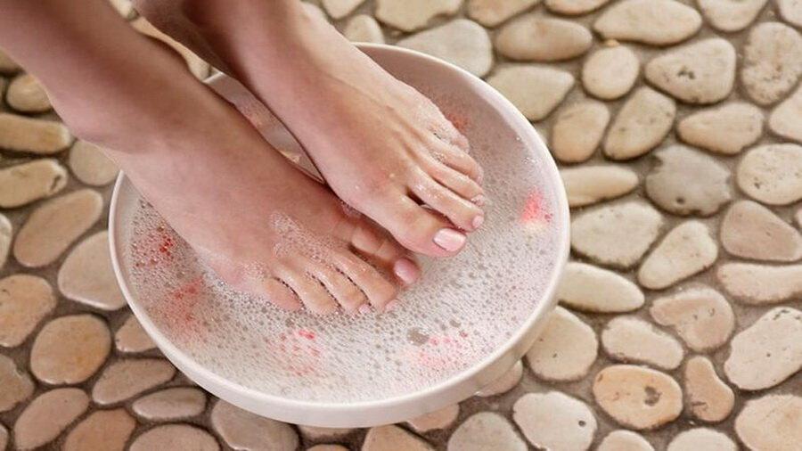 ноги в ванночке