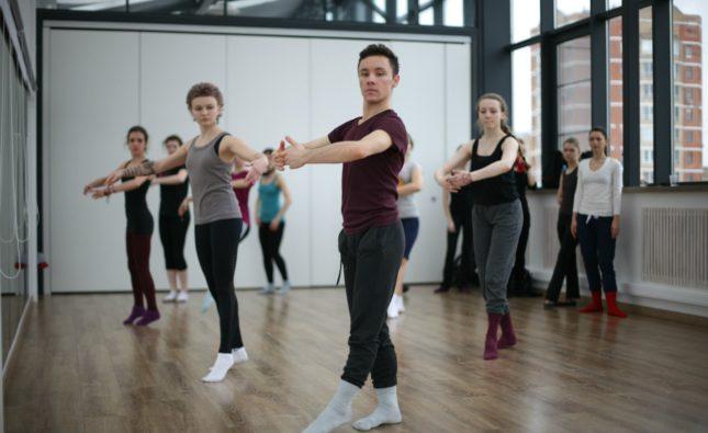 Какое направление танцев стоит выбрать начинающим взрослым?