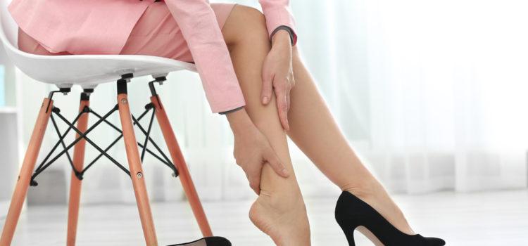 Эти 3 метода помогут снять отек с ваших ног