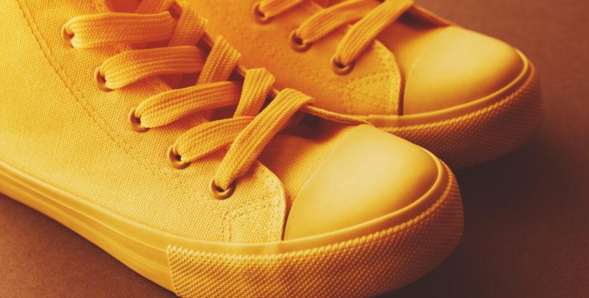 Избавляемся от неприятного запаха ног летом