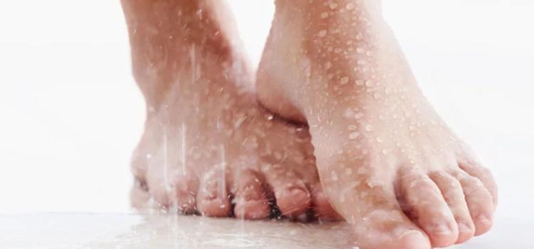 Мы советуем, как преодолеть проблему потливости ног