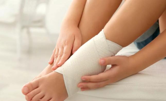 Убираем отеки ног в домашних условиях – реальные и эффективные методы