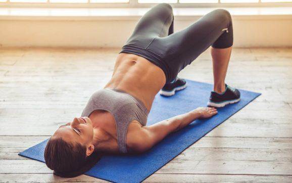 Статика, что это? Волшебные упражнения для спины, пресса и ног, которые сделают из любого конфетку